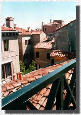 "From the ""Altana"" the terrace on the roof: Vista sui tetti - View over the roofs"