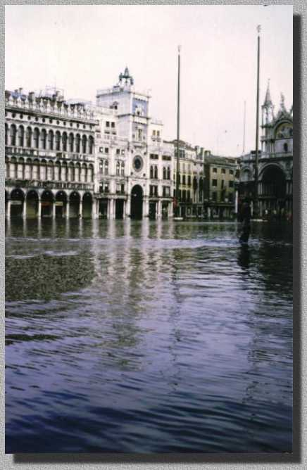 Acqua alta a S.Marco - S.Marco Square with high water